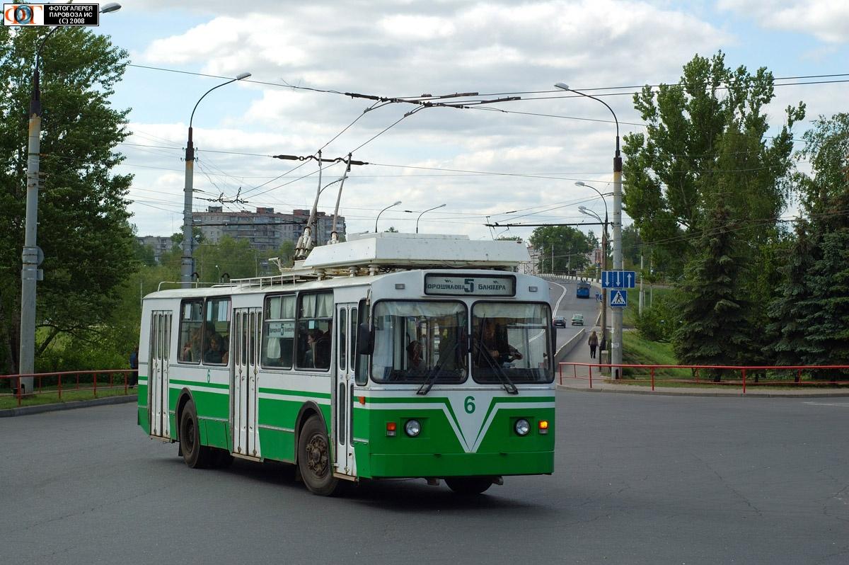 В Рыбинске после центрального рынка с молотка ушел троллейбусный парк.